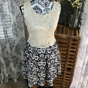NWT FILLY FLAIR BOUTIQUE DRESS!